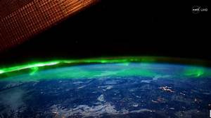 Breathtaking view of the Northern Lights from space in ...