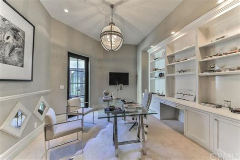 roger moore kitchens britney spears is selling her thousand oaks home