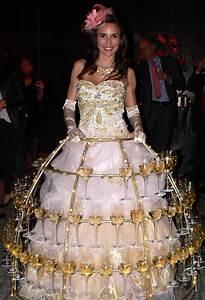 Robe De Mariée Champagne : robe champagne rose clair et or pour un service champagne brillant animation champagne ~ Preciouscoupons.com Idées de Décoration