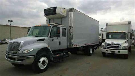international  extra cab sleeper ft box truck al