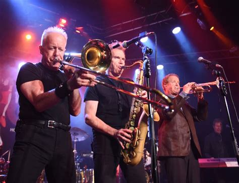What To Expect Chicago And Reo Speedwagon Team For A