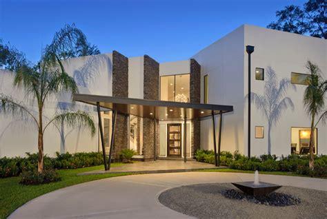 modern home  stone walls contemporary exterior