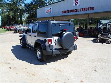 mail jeep 4x4 sell used right hand drive 2011 wrangler unlimited 4x4