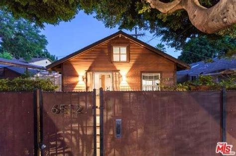 Mad Men Tv Star Sells 603 Sq Ft Hollywood Bungalow