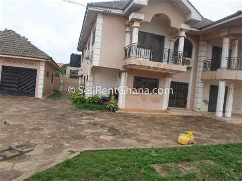 6 Bedroom House For Sale In Spintex