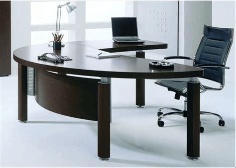 photo d un ordinateur de bureau un bureau feng shui