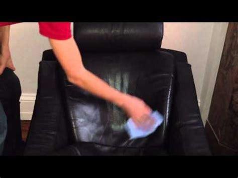 produit pour nettoyer canap mobilier table nettoyer fauteuil en cuir