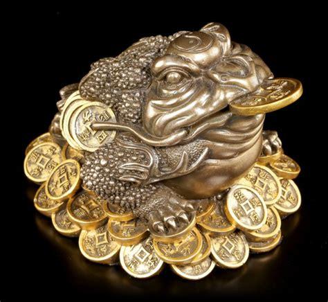 geld anziehen feng shui feng shui figur geld frosch www figuren shop de