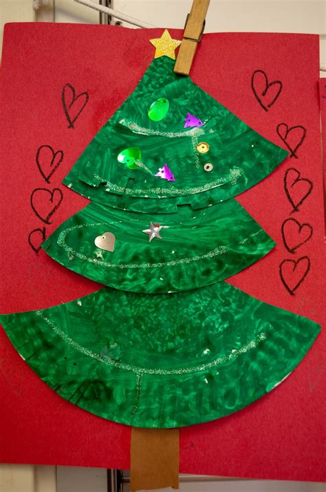 christmas projects mrs ricca s kindergarten christmas tree craft
