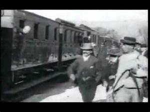 Train à L Arrivée : l 39 arriv e d 39 un train en gare de la ciotat 1895 youtube ~ Medecine-chirurgie-esthetiques.com Avis de Voitures