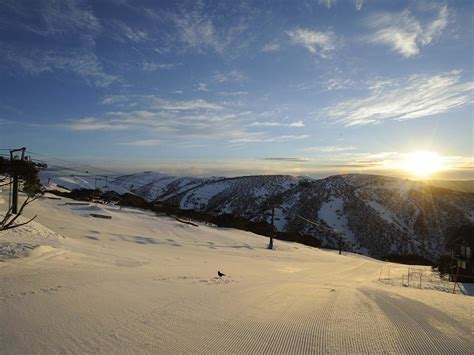 melbournes snowfields ski victoria australia