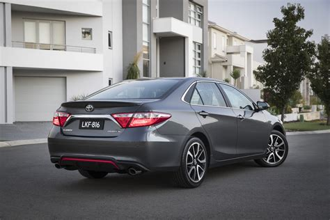 2016 Toyota Lineup by Toyota Refines The 2016 Camry Lineup