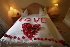 Schlafzimmer Romantisch Dekorieren : romantische schlafzimmer ~ Markanthonyermac.com Haus und Dekorationen