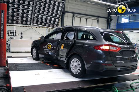 crash test siege auto 0 1 ncap ford edge 2015 crash test specs price