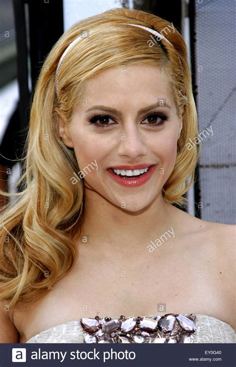 brittany murphy happy feet brittany murphy at the world premiere of quot happy feet quot held