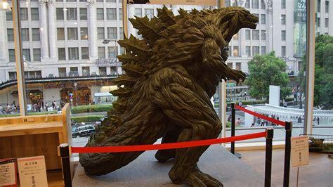 Godzilla(2017) Right Side View In Namba Marui August