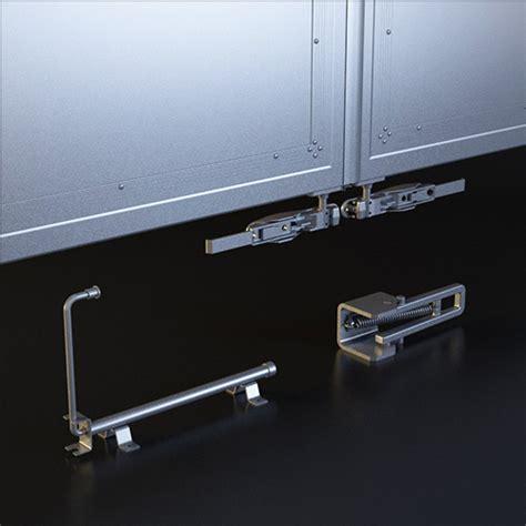 Chiusure Porte by Chiusure Cerniere Porte E Accessori Per Furgoni