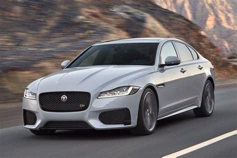 jaguar xf 2019 2019 jaguar xf gets a slight price bump carbuzz