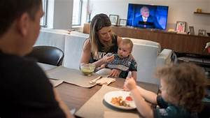 How Savannah Guthrie, of the 'Today' Show, Spends Her ...