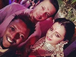 Actress Trisha Krishnan and Varun Manian Engagement Photos ...