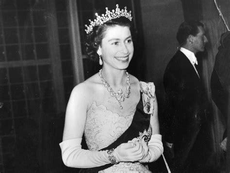 changed  queen elizabeth iis long reign