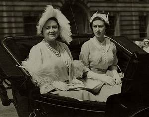 Queen mother Elizabeth of Great britain and daughter, Pss ...