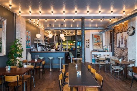 cuisine concept plus coffee ce café restaurant us décontracté aux murs