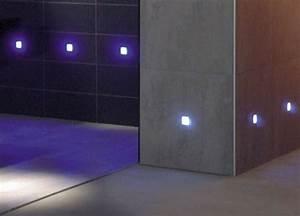 Led Beleuchtung Im Bad : led fliesenbeleuchtung sorgt f r ein schickes ambiente ~ Markanthonyermac.com Haus und Dekorationen