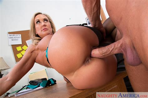 Mature Brandi Love Fucking In The Floor With Her Bubble Butt
