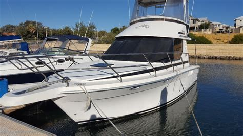 Commodore Boats Wa by Commodore 33 Diesel Flybridge Cruiser Power Boats Boats