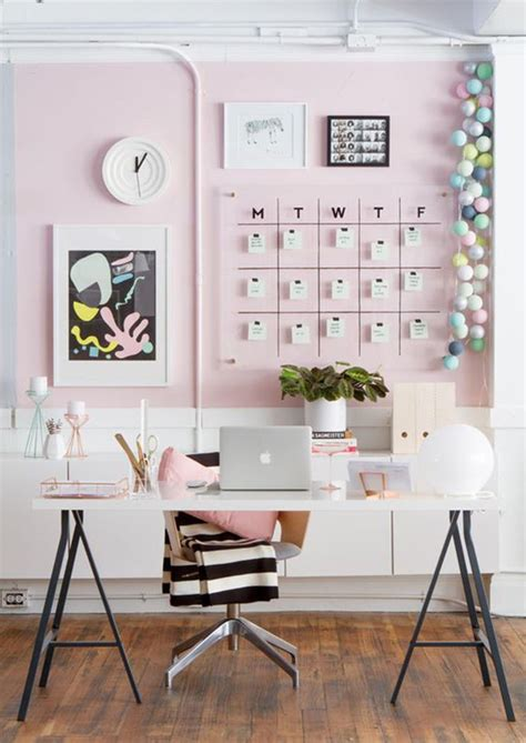 Office Wall Decor by 10 Wall Decor Ideas To Take To The Office