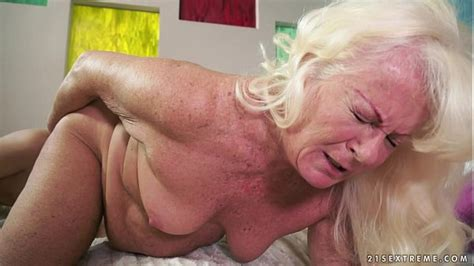 Hot Granny And Her Much Younger Girlfriend Xvideos