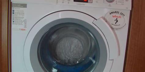 Waschmaschine Reinigen Um Ueblen Geruechen Vorzubeugen by Natron Gegen Geruche In Waschmaschine