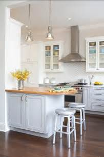 kitchen designs with islands and bars 25 best ideas about small kitchen designs on