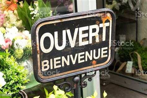 Open And Welcome Sign In French Ouvert Bienvenue Stock ...