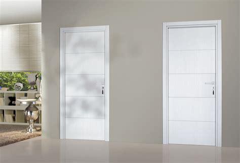 cuisine minimaliste design portes intérieures gamme premium comptoir des bois