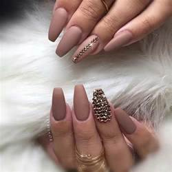 Cool matte nail designs to copy in coffin nails