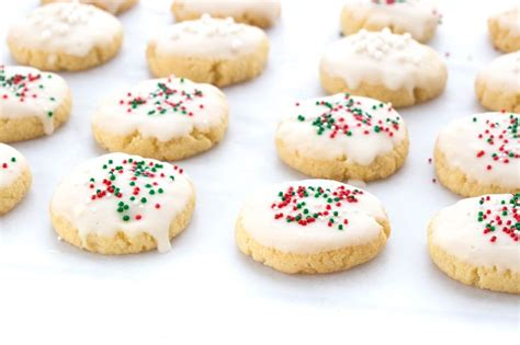 I have always loved their nice, round and golden. Classic Italian Christmas Cookies - KETO!!   Recipes   Swerve Sweetener   Italian christmas ...