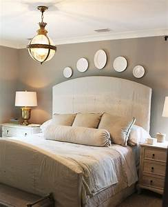 Deco Murale Blanche : ambiance sereine et relaxante dans la chambre blanche et beige obsigen ~ Teatrodelosmanantiales.com Idées de Décoration