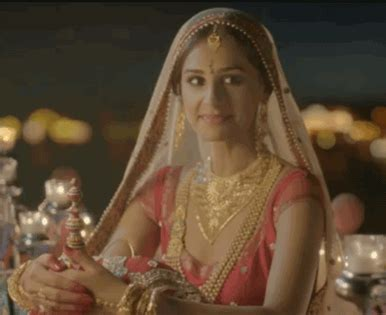 pc chandra jewellers lights up a regal wedding advertising caign india