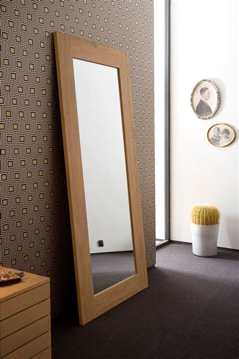 specchi con cornice in legno bf specchio ethnicraft con cornice in legno diverse