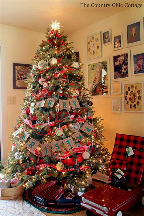 farmhouse christmas tree  plaid ornaments