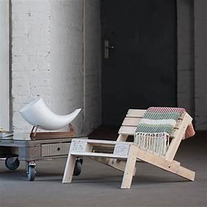 Sessel Aus Paletten : kreative palettenm bel selbstgebaute st hle und sessel ~ Whattoseeinmadrid.com Haus und Dekorationen