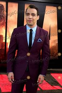 Victor Rasuk Pictures and Photos