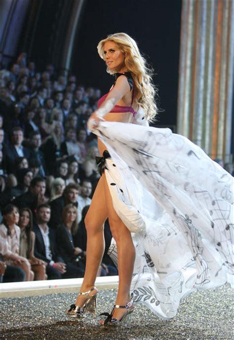Heidi Klum Photos Photos Victorias Secret Fashion Show