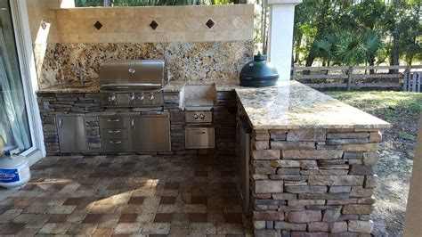 Creative Outdoor Kitchens of Florida BackSplash   Creative
