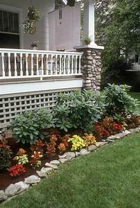 Flower bed ideacant wait to pull up shrubbery and for Front porch flower bed ideas