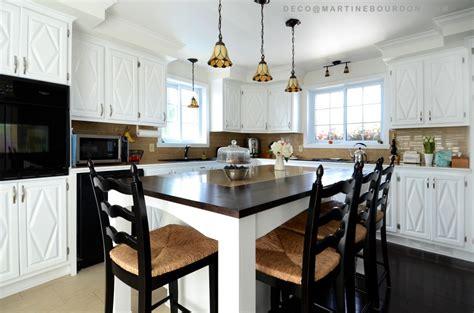 peinturer un comptoir de cuisine armoires de cuisine peinturées changement lumineux