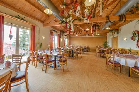 Restaurant Deutsches Haus Gasthof An Der A8 Ulmstuttgart