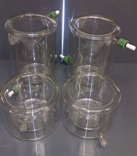 jacketed beakers   maintain samples  reactions